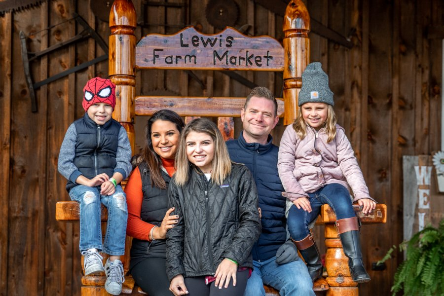 Lewis Farms Family Picture